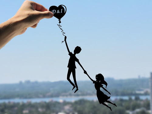 cut-paper-couple-balloon