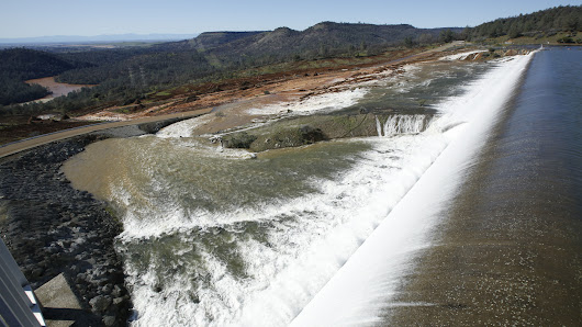 Officials Order Evacuation For Residents Below Calif. Dam