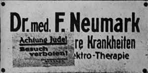 Praxisschild Dr. F. Neumark