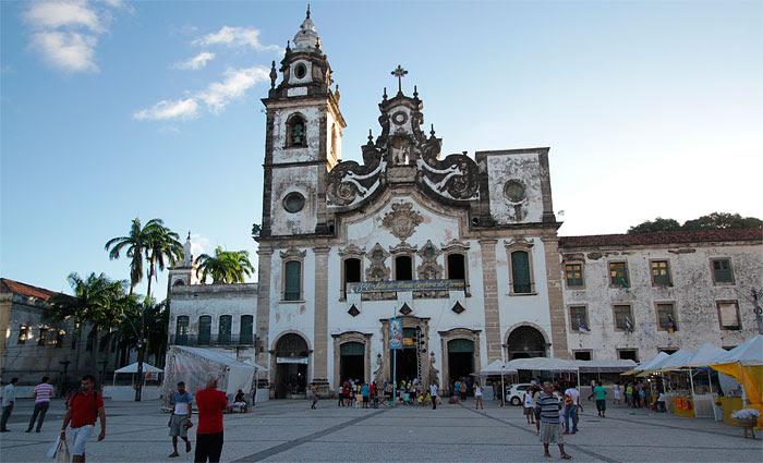 Neste sábado, dia dedicado à Nossa Senhora do Carmo, serão realizadas oito missas na basílica. Foto: Roberto Ramos/DP