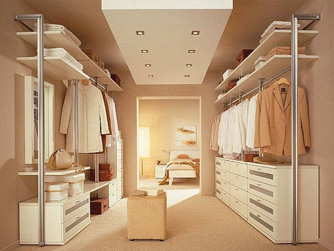 How To Keep Your Closet Travel-Ready: 8 Closet Organizing Tips