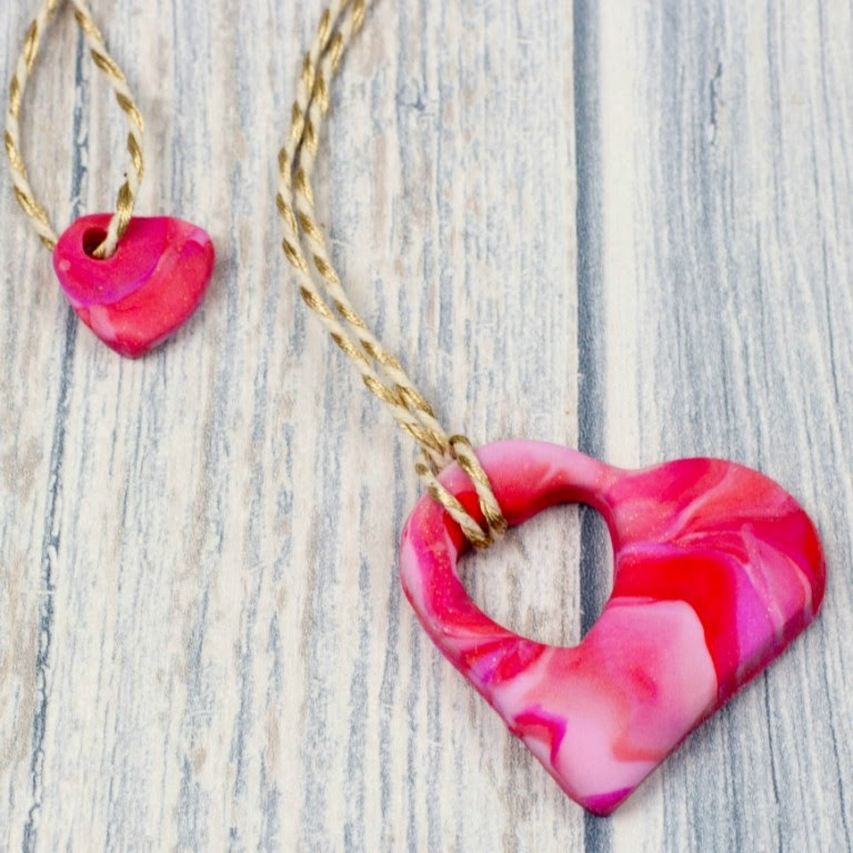 Make mother and child heart necklaces for mother's day