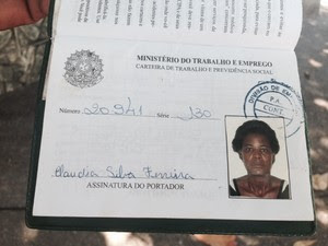 Cláudia Silva Ferreira foi atingida por bala perdida no Morro da Congonha, em Madureira, no Rio (Foto: Mariucha Machado/G1)