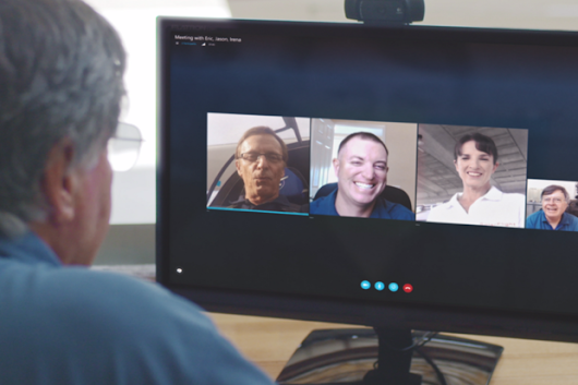 Microsoft gives businesses a free tool for online meetings