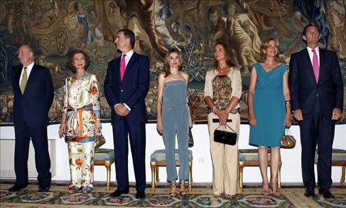 La familia real al completo en el Palacio de La Almudaina