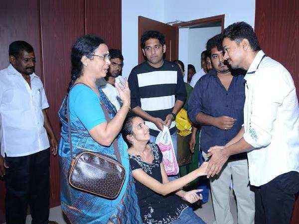 Vijay visits fan