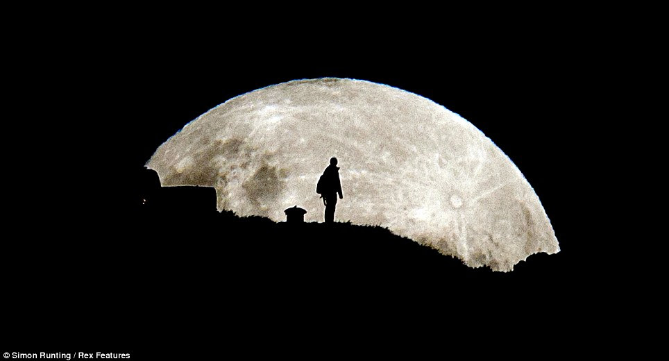 Southern Hemisphere: The supermoon seen from Mount Eden in Auckland, New Zealand