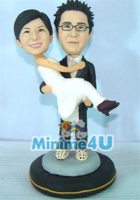 Warm wedding couple   Mini me dolls   Custom wedding cake