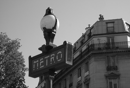 Metro - B&W