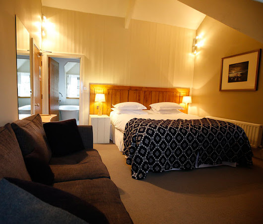 Luxury and Boutique Hotels  –  Llys Meddyg Restaurant & Rooms, Newport, Pembrokeshire
