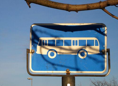 busstop sign :: buss-skilt