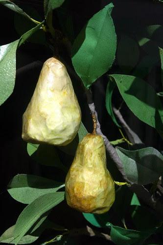 paper-mache-pears