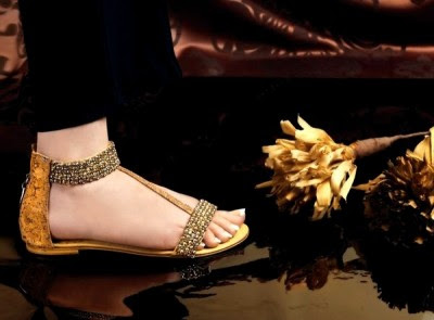 Ladies-Women-Girls-Wear-Beautiful-Eid-Footwear-Collection-2013-By-Stylo-Shoes-12
