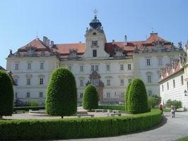 zámek ve Valticích