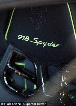 Headrest of the Porsche Spyder