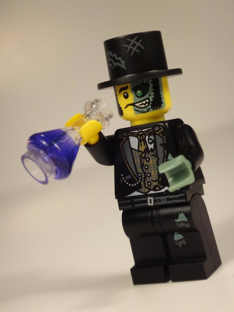 LEGO minifig Series 9 Mr Good and Evil Jekyll Hyde