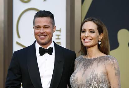 Angelina Jolie chiede il divorzio da Brad Pitt: amore finito dopo 12 anni