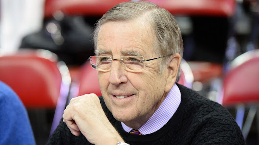Brent Musburger announces his retirement from sports broadcasting
