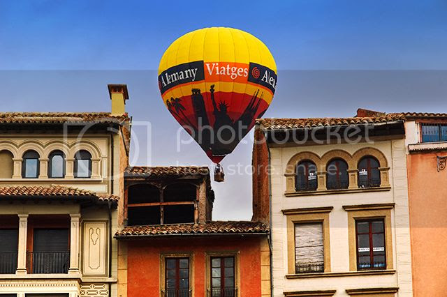 Balloon Over Houses, Vic, Catalonia [enlarge]