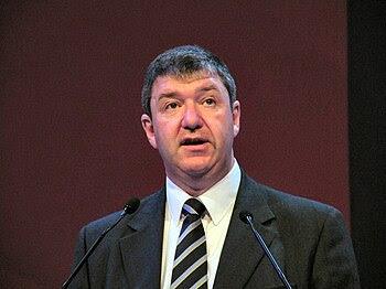 English: Alistair Carmichael MP addressing a L...