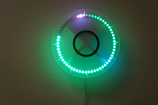 Minimalist Clock Tells Time with LEDs