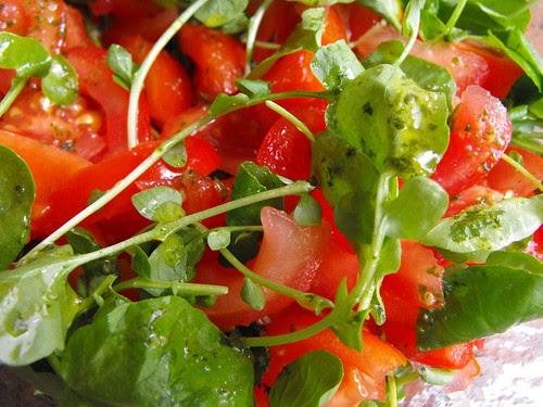 Salada de tomate e agrião