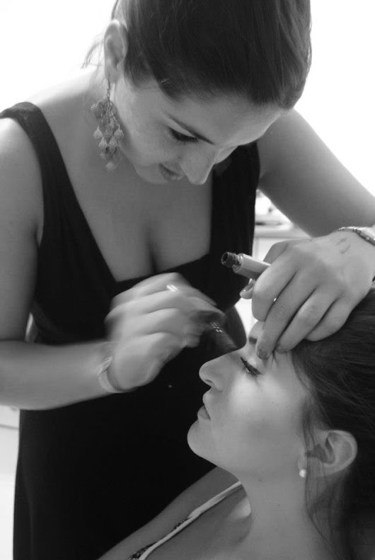 Wedding Make-Up - Why you should hire a make-up artist for your big day!