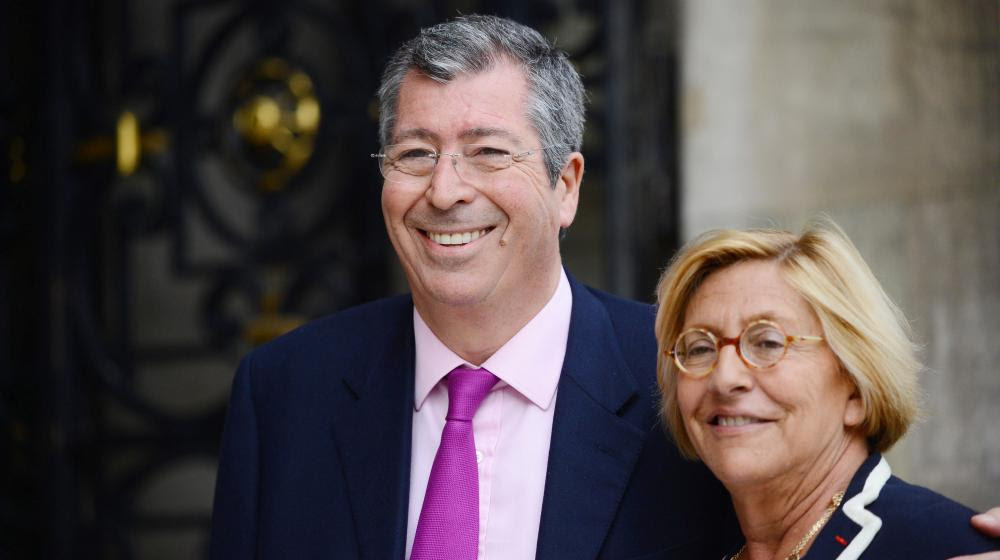 Patrick et Isabelle Balkany, à la mairie de Neuilly-sur-Seine (Hauts-de-Seine), le 16 avril 2013.