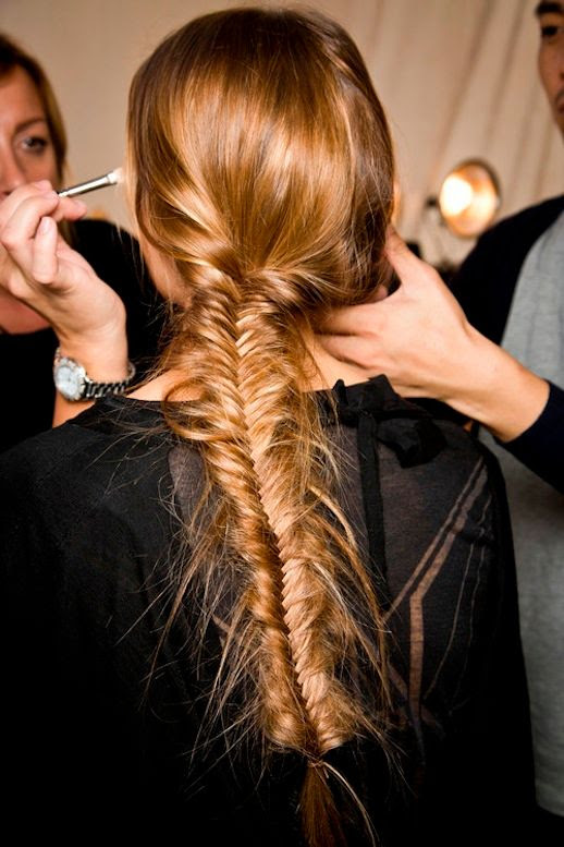 Le Fashion Blog -- 30 Inspiring Fishtail Braids -- Low Side Braid At Tory Burch -- Via Style Caster photo 3-Le-Fashion-Blog-30-Inspiring-Fishtail-Braids-Low-Side-Braid-Tory-Burch-Via-Style-Caster.jpg