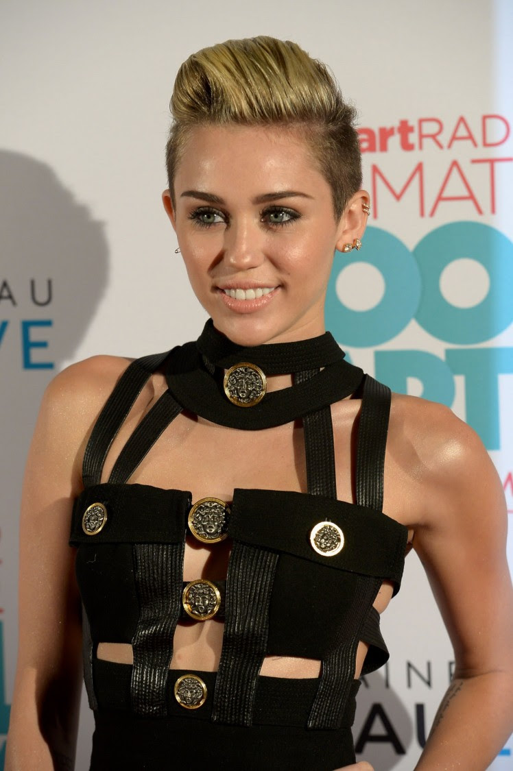 Miley-Cyrus-iHeart-Radio-Ultimate-Pool-Party-in-Miami-Beach-Pictures-Images-11