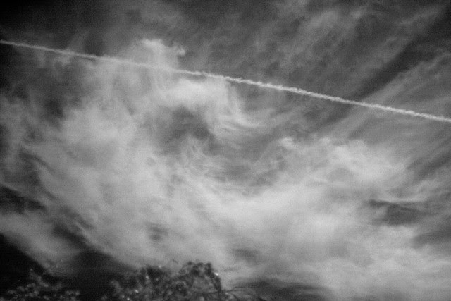infrared contrail