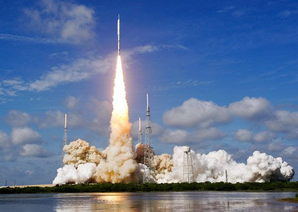 http://opinion-forum.com/index/wp-content/uploads/2010/02/Ares-I-X-Launch.jpg