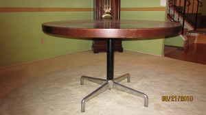 Herman Miller Eames looking Dining Table