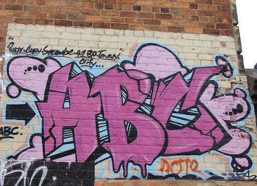 3 Reasons Why Graffiti Removal is a Must for Business Owners