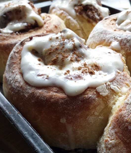 Christmas cinnamon buns with a new ricotta cheese icing