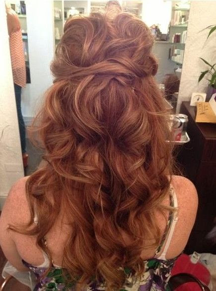12 Glamorous Long  Curly  Hairstyles  Pretty Designs