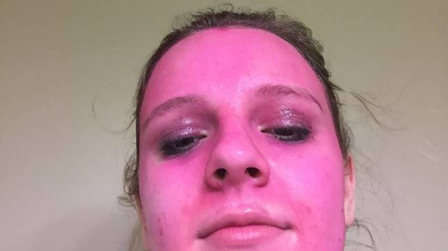 Woman's pink faced paint fail has the internet in hysterics