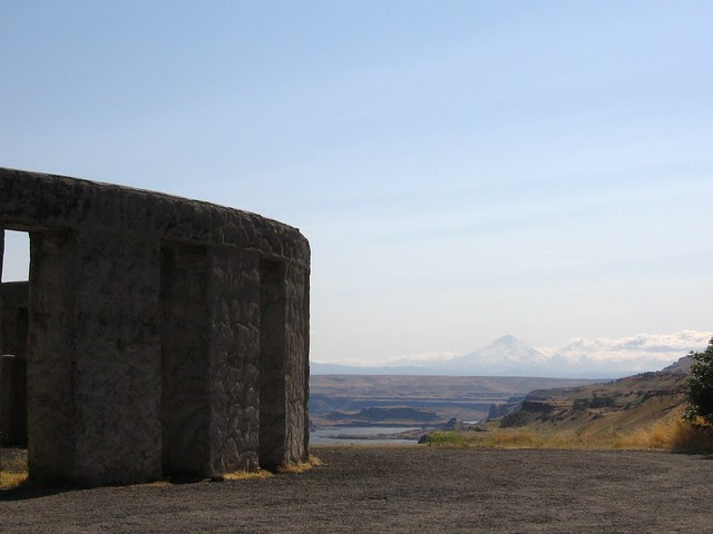 mt. hood from stonehenge