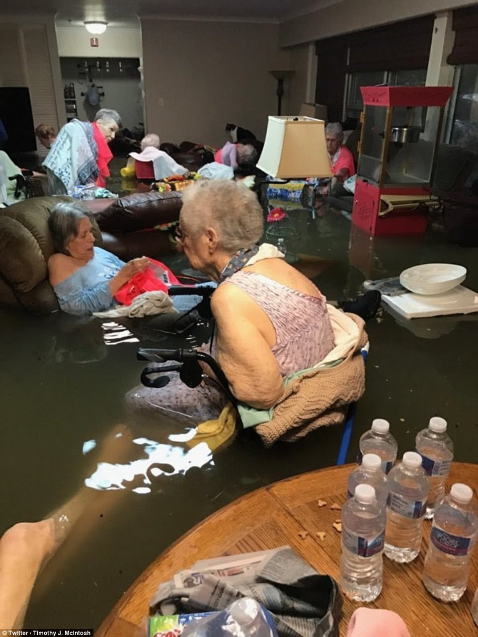 Fifteen residents of La Vita Bellanursing home in Dickinson, Texas, had to be evacuated by helicopter on Sunday because the facility was flooded with waist-deep water. They were rescued after this picture went viral