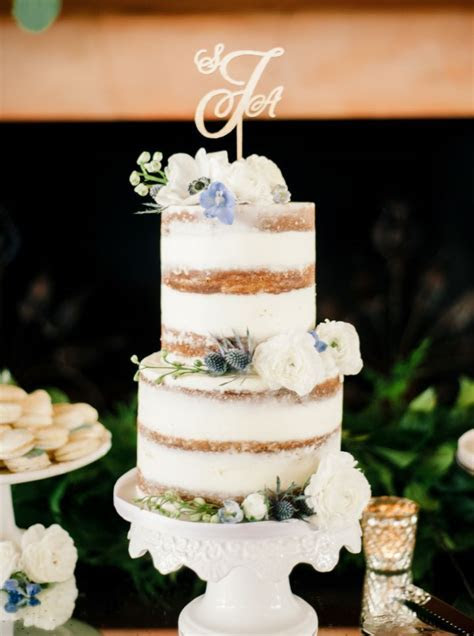 Blue wedding for a traditional romantic and Disney