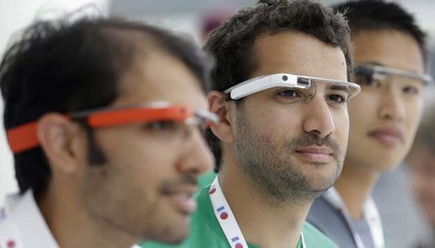 Les Google Glass ont été présentées lors de la conférence I/O à San Francisco le 15 mai 2013 (J.CHIU/SIPA)