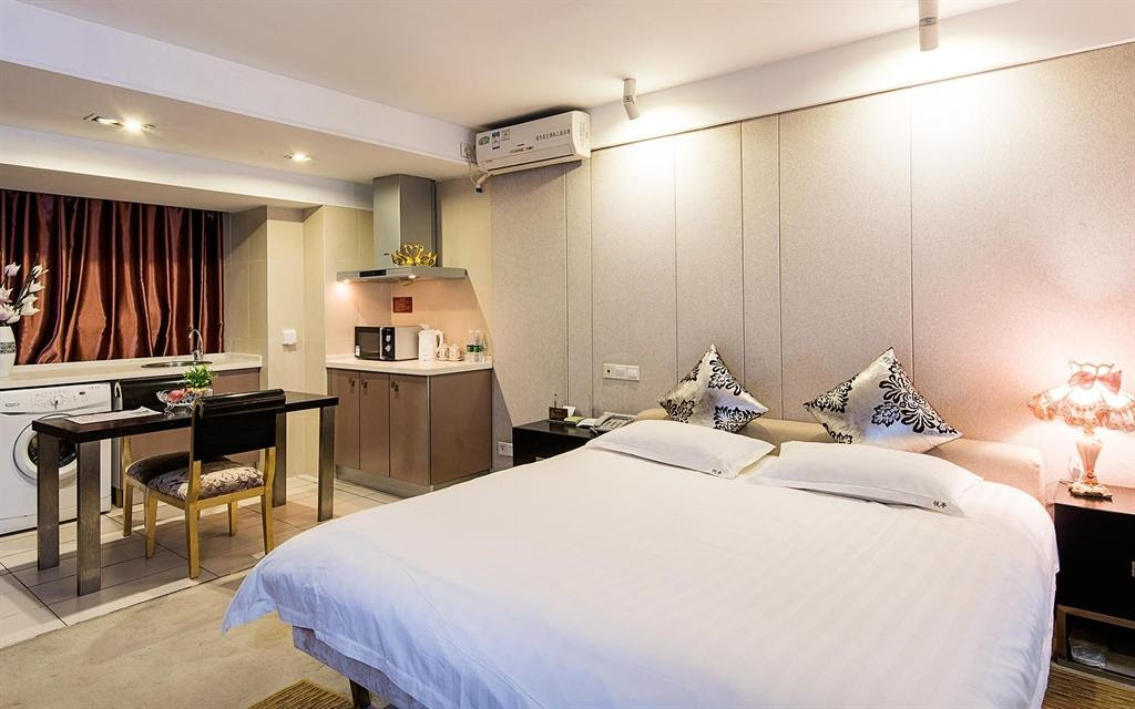 hotel near Chengdu XIANGHEJU Romantic Vibe Double Apt