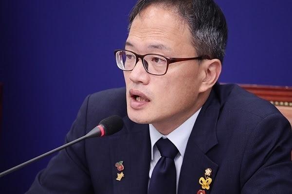 '부동산 내로남불' 박주민, 김태년 '공개경고'에 캠프직 사퇴