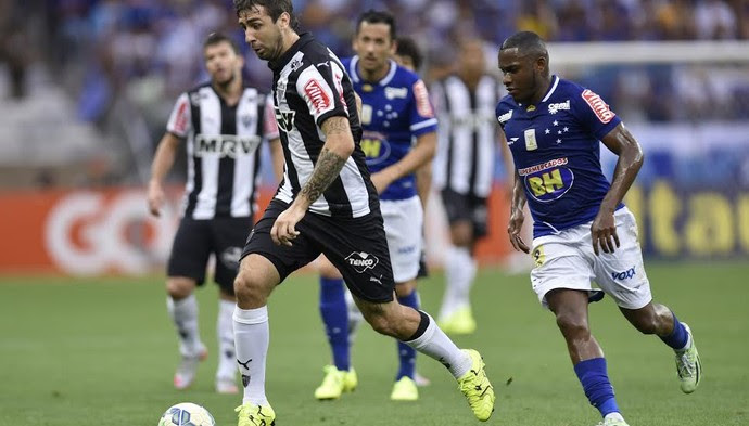 Lucas Pratto e Willians (Foto: Douglas Magno)