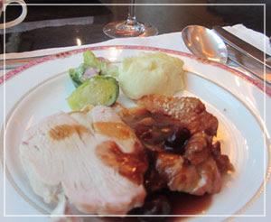 ウェスティンホテル東京のクリスマスブッフェ、一皿目にいきなりターキー