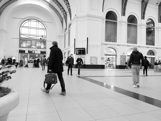 #Claudio #station #waiting #city #urban #people #dresden #europe