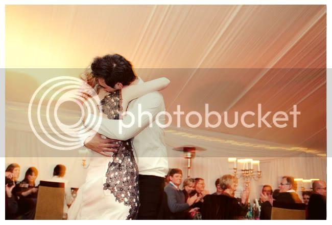 http://i892.photobucket.com/albums/ac125/lovemademedoit/love%20makes%20me%20do%20it/Pierre%20and%20Tarien/vintage-wedding013.jpg?t=1286257595