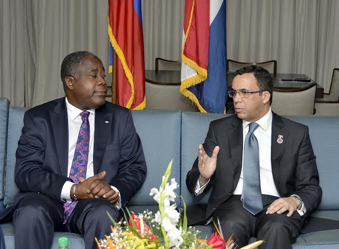 Canciller anuncia reanudación del diálogo entre R. Dominicana y Haití