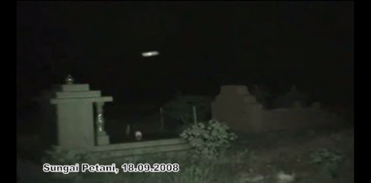 Travelling Motion of a Ghost Orb in Mid-Air
