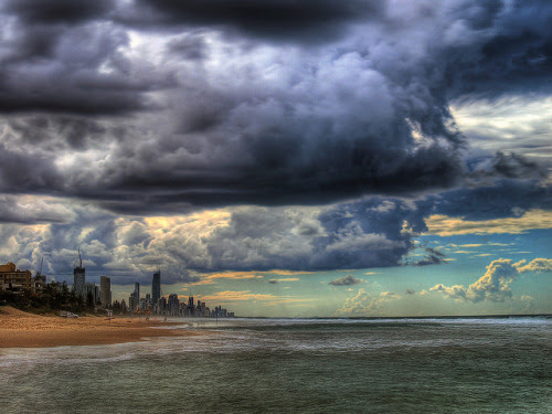 ke11an:  impending storm (by paul bica)